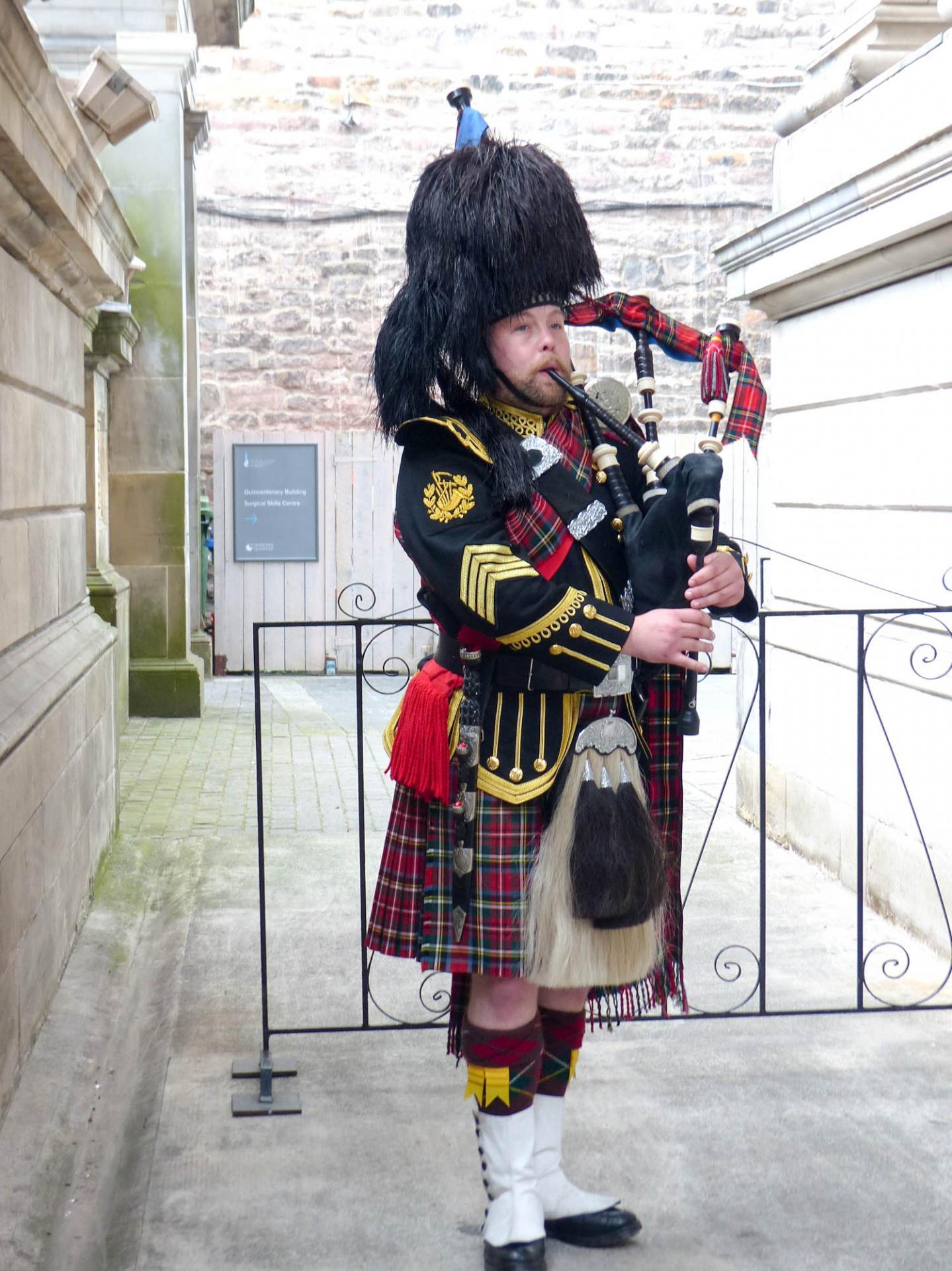 06 Accueil à la soirée écossaise