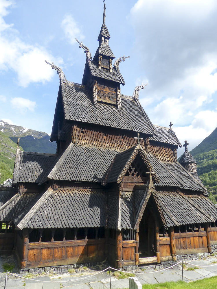 17 église en bois debout de Borgund