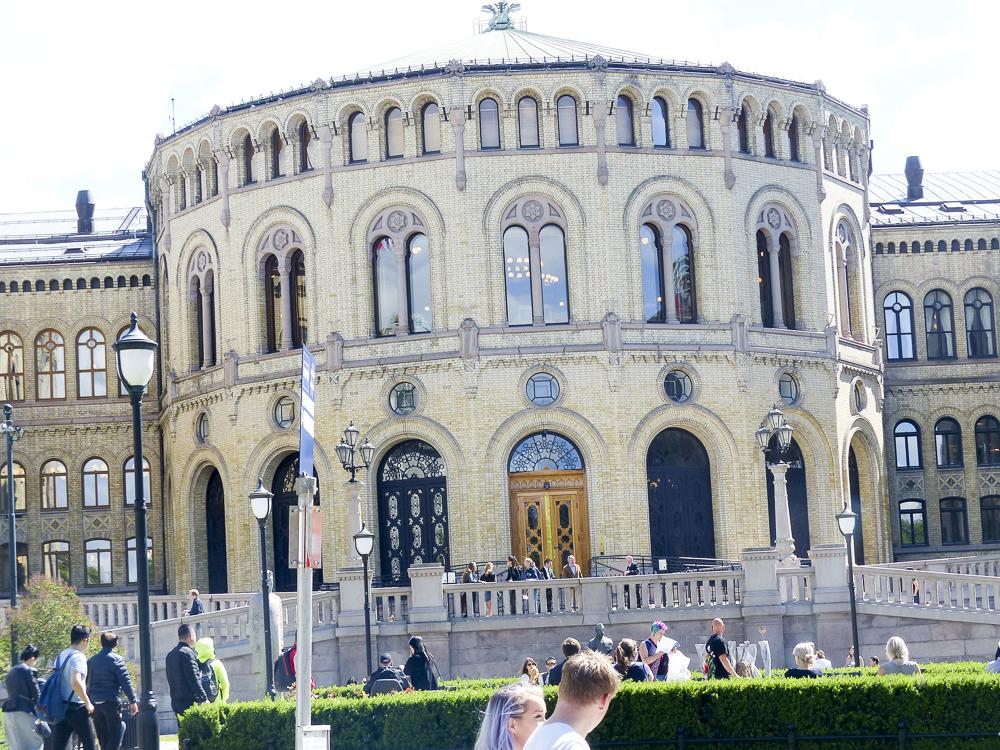 23 Oslo Le Parlement