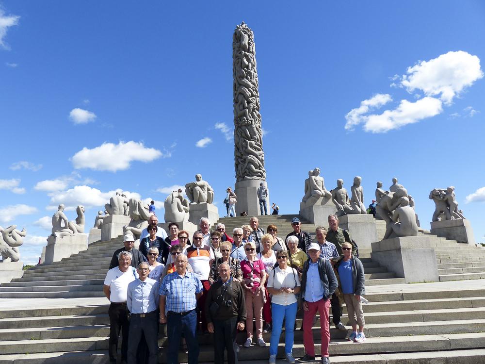 26 Oslo  Le groupe au parc Vigeland